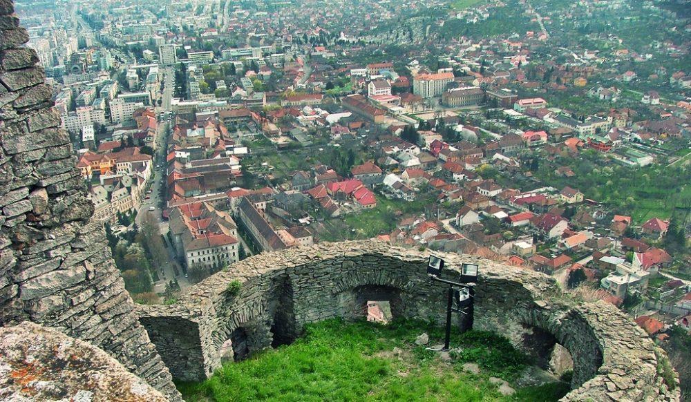 Deva, orașul de la poalele cetății