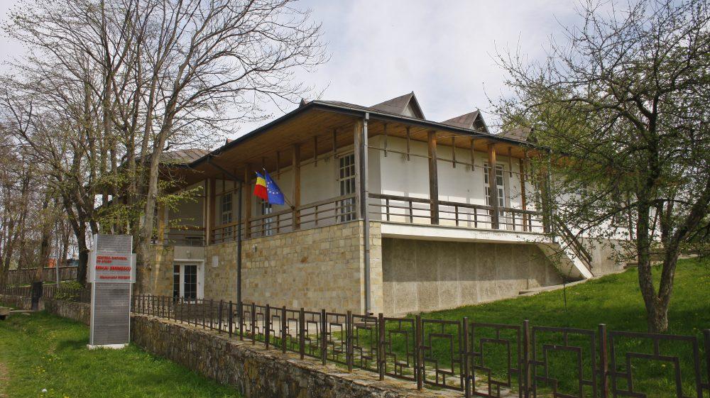 Pe urmele lui Eminescu, la Ipotești și Iași