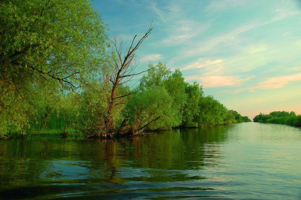 Turismul responsabil vizează atât problemele de mediu cât și conservarea patrimoniului cultural și natural